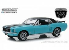 Ford Mustang 1967 Country Special Winter Park SKI mit Gepäck 1:18 Greenlight