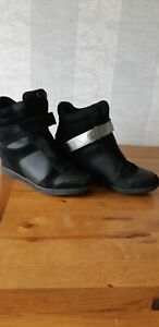 Dkny Suede Boots