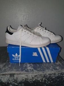 Adidas Trainers Size 5.5 stan smith