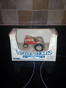 ERTL No.2508 1/43 SCALE 961 FORD VINTAGE TRACTOR BOXED please read