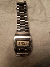 Vintage Seiko Quartz LC LCD Digital 0439-5007 Men's Watch tested, works.
