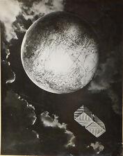 Photomontage Mode publicité pour parfum de Carven vers 1950 photo planète terre