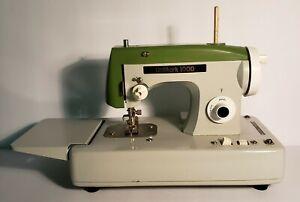 Vintage Unimark 1000 Mini Green Sewing Machine Made In Japan