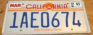 UNKNOWN MOVIE OR TV SHOW LICENSE PLATE PROP HOLLYWOOD MEMORABILIA