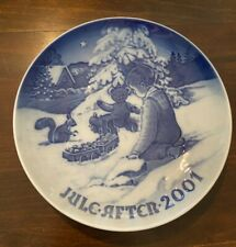 2001 Bing and Grondahl Christmas Plate - Playing in the Snow