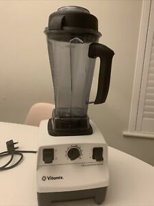 Vitamix Total Nutrition Center Blender TNC VM0109 *Excellent Condition*