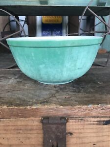 Vintage Pyrex Mixing Bowl Primary Green 2.5 Qt 403 Round Ovenware Made In USA