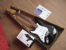 NEW LEFT HANDED STR T 3 PICKUP ELECTRIC GUITAR AND NEW QUALITY GIG BAG ALL SHOWN