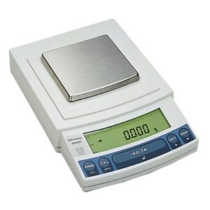 Shimadzu UW820S Top Loading Balance with Internal Calibration (GLP/GMP/ISO9000)