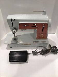 Pink Singer Touch And Sew Sewing Machine Deluxe Zig Zag 626 With Foot Pedal