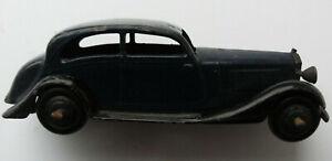 Dinky Meccano Die Cast Model Vehicle Blue Sedan (Shop Ref D132)