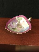 BEAUTIFUL HAND PAINTED PORCELAIN LEAF-SHAPED CANDY DISH-748
