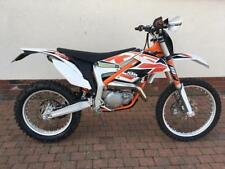 1 Enduroes/Supermoto (road legal)s