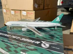1:200 INF200 XA-MXB Mexicana Boeing 767-383/ER w/stand