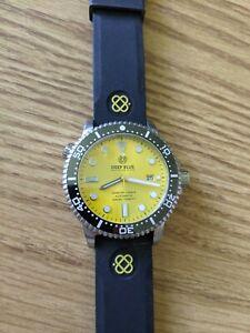 Deep Blue Yellow Sunburst Dial diver, 44mm