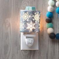 Scentsy Falling Snowflakes Mini Warmer / Nightlight MAKE OFFER
