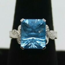 10K Gold Size 8 Blue Topaz Ring 3.9g