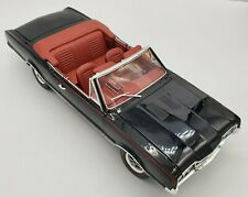 Highway 61/Diecast Promotions 1967 Oldsmobile Convertible 442 Black1:18 Scale