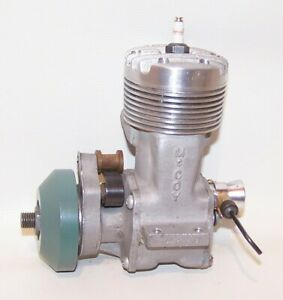 "Very Nice 1945 McCoy ""MCCR"" .60  Gas Powered Tether Car Engine W/Flywheel"