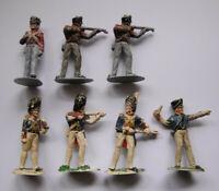 7 Soldaten grau/bemalt einteilig Preussen oder Franzosen o.ä. MADE IN ENGLAND