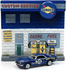 (2) Service Station Accessory+Facade+Car , Johnny Lightning Model 1:64
