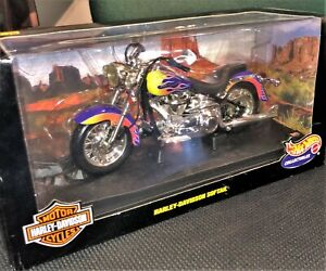 HARLEY DAVIDSON SOFTAIL HOT WHEELS  1999 1:10 DIECAST NEVER PLAYED WITH!