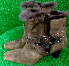 Apostrophe Women's Boots Brown Suede Leather Booties Rabbit Fur Trim Flirty 7.5M