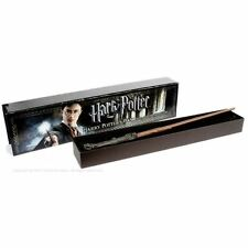 Harry Potters Illuminating Light Up Wand - Official Noble Collection Movie Boxed
