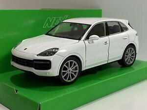 Porsche Cayenne Turbo White 1:24 Scale Welly 24092W