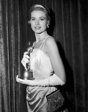 Grace Kelly UNSIGNED photo with Oscar for Best Actress in The Country Girl -D562