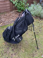 SUPERB TITLEIST GOLF STAND BAG. BLACK. GREAT CONDITION.