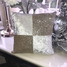 🤍💎14 Inch Square White Velvet Gold Glitter Cushion💎🤍