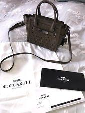 Coach autentica KHAKI CON BORCHIE Messenger Bag-con sacchetto PAPER e polvere
