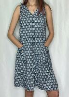 Tulip V-Neck Sleeveless A-Line Oversize Pleated Owl Dress w Pockets Blue & White