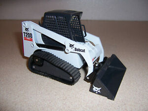 Bobcat T200 Turbo by ERTL 1/25th Scale Construction Equipment Tractor