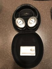 BOSE QC-15 Quiet Comfort 15 QC15 Noise-Cancelling Headphones with Black Case