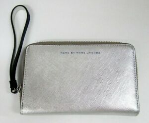 NEW MARC BY MARC JACOBS WRISTLET WALLET TWO TONE SILVER ULTRAVIOLET PHONE CASE