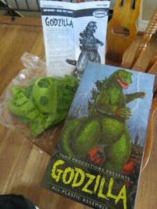 2000 Playing Mantis Aurora - Godzilla Plastic Model Kit 7502