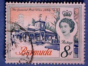 Bermuda. QE2 1962 8d Buildings. SG169. Wmk Ww12. P12½. Used.