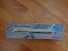 1:200 AIRBUS A320 MONARCH AIRLINES AIRCRAFT PLASTIC DESKTOP MODEL PLANE