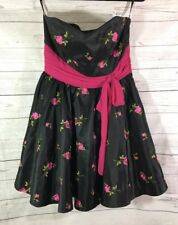 BETSEY JOHNSON Evening Strapless Fit Flare Dress Sz 10 Black Pink Rose Tie Waist