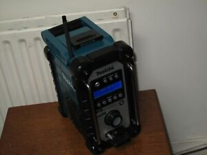 MAKITA 18V LXT DMR104 JOB SITE RADIO DAB/FM/AUX CAN WORK WITH MAIN & BATTERY