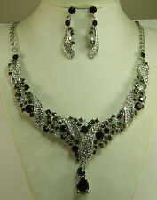 NECKLACE: + ER SWARVOSKI RHINESTONES & CRYSTALS REGAL BLACK & WHITE