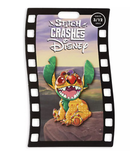 Disney Stitch Crashes The Lion King Pin Limited New with Card