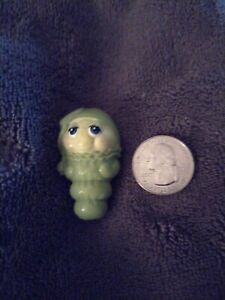 1/12 green Color Glow Worm Childs Toy Dollhouse Miniature RARE