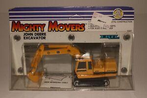 Ertl Mighty Movers, John Deere Excavator Model 690C, 1/64th Scale