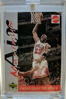1999 99 UPPER DECK MATTEL Michael Jordan Card MAXIMUM AIR INSERT, Jordan Attack!