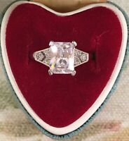 Vintage Jewellery White Gold Ring with White Sapphires Antique Deco Jewelry 8 Q
