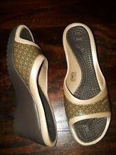 CROCS Brown Beige Platform Sandals w/ Heel 7 M