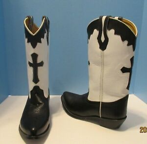 Black and White Ladies Cowboy Boots With Cross On Front 7 1/2